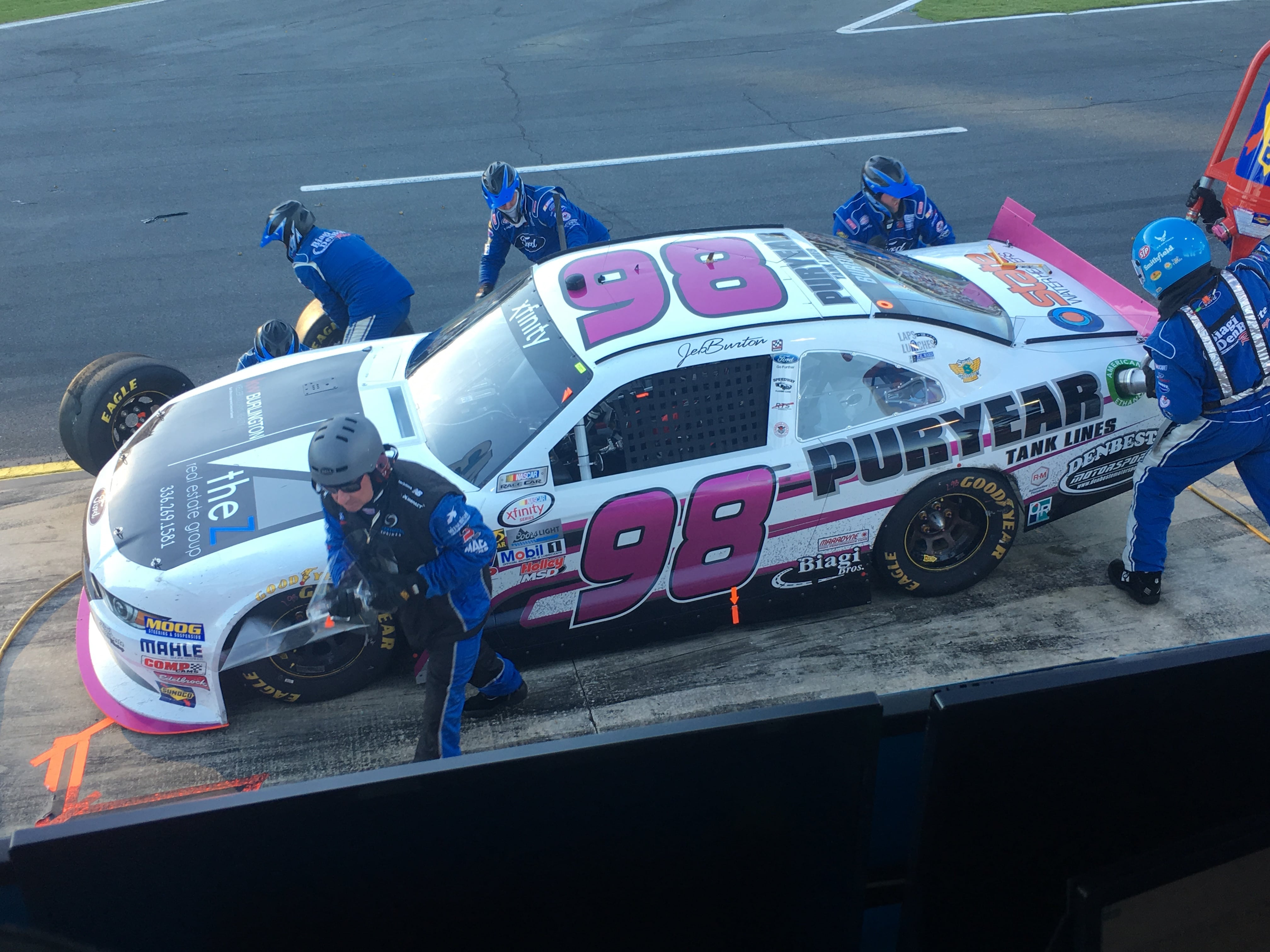 Columbus Movers Sponsor NASCAR Race for the Cure 300